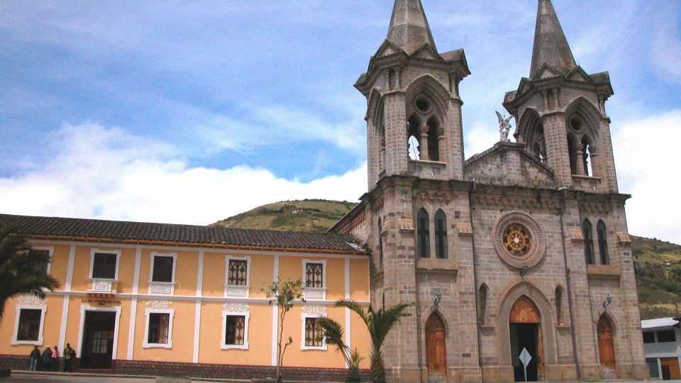 Carchi - Iglesia Ángel