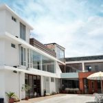 """HOTEL SHALOM <img src=""""http://turismoaccesible.ec/site/wp-content/uploads/accesibilidad/semaforo_alto1.png""""  width=""""150px"""">"""